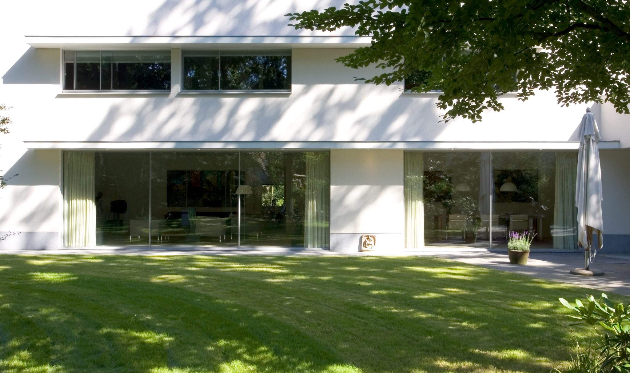 minimal windows large format sliding doors