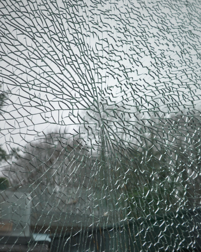 a nickel sulphide breakage in structural glass